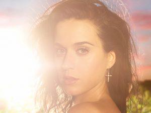 "Katy Perry's ""Dark Horse"" Tops Billboard Hot 100 Chart"