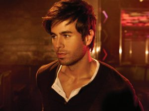 "Enrique Iglesias Has First Big Spanish Single Since ""Macarena"""